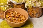 Как приготовить грибы лисички на зиму по деревенски – рецепты приготовления на зиму, как мариновать, морозить или солить в банках без стерилизации горячим способом, как приготовить по-деревенски