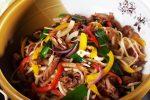 Лапша вок с креветками и овощами рецепт – Лапша WOK с креветками — рецепт с фотографиями. Узнайте как приготовить Лапша WOK с креветками на shefcook.ru.