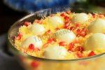 Салат с курицей и жареным луком и грибами – Салат с жареными грибами и курицей с луком на Новый год рецепт с фото пошагово и видео