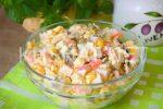 Салат сыр помидоры яйца крабовые палочки – Салат с крабовыми палочками, помидорами и сыром – сказочный вкус! Рецепты разных салатов с крабовыми палочками, помидорами и сыром – Женское мнение