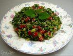Табуле с булгуром – Табуле. Салат с булгуром и зеленью. Ингредиенты: петрушка, кинза свежая, мята