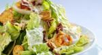 Салат с вареной курицей и сухариками – названия, приготовление простых и вкусных салатиков в домашних условиях с фото и видео
