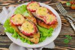 Синенькие с помидорами и сыром в духовке – Баклажаны, запеченные в духовке с сыром и помидорами – стильно! Рецепты баклажанов, запеченных в духовке с сыром и помидорами – Женское мнение