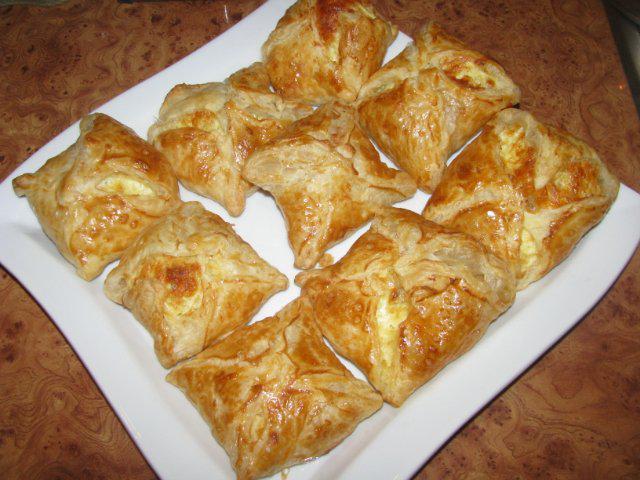 хачапури с слоеного теста рецепт с фото
