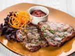Бифштекс свиной – Бифштекс из свинины – в мультиварке, духовке или сковороде. Варианты приготовления бифштекса из свинины с овощами, яйцом и сыром – Женское мнение